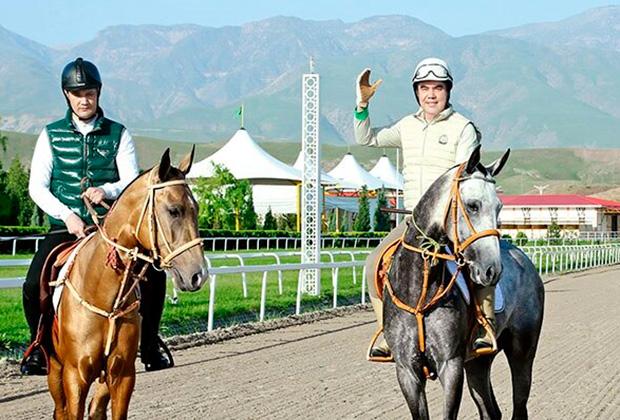 Президент Туркменистана Гурбангулы Бердымухамедов с сыном Сердаром
