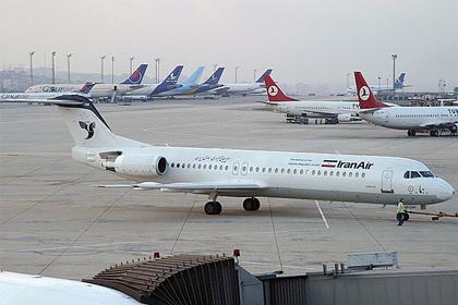 Пассажир попытался угнать самолет и потребовал развернуть его к арабским странам