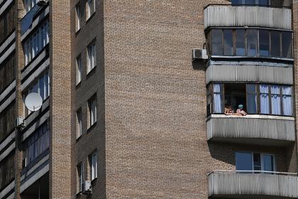 Школьник выпрыгнул с 17-го этажа после неудачного секса с подругой и выжил