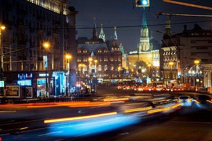 Россияне массово отправились в три города на праздничные выходные