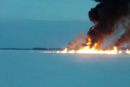 Пожар на Оби сняли на видео
