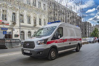 В Волгограде мужчина с отверткой и ножом напал на прохожих