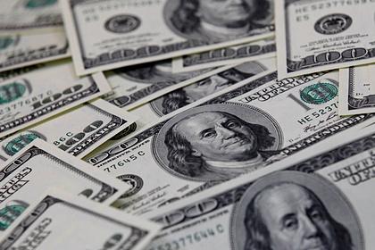 Россияне сняли со счетов 28 миллиардов долларов в иностранной валюте за год