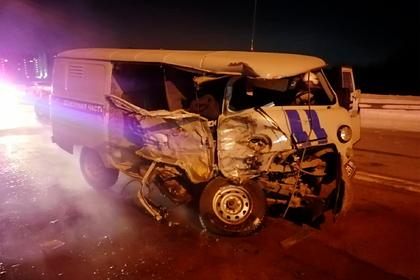 Россиянин угнал грузовик и врезался на нем в автомобиль полиции