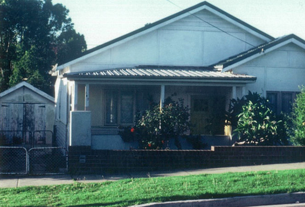 Дом Хейнсов в Австралии. Отец издевался над Джени в пристройке слева