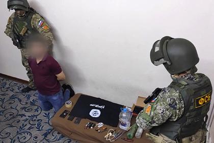 ФСБ показала задержание в Адыгее готовившего теракт мигранта с частями бомбы
