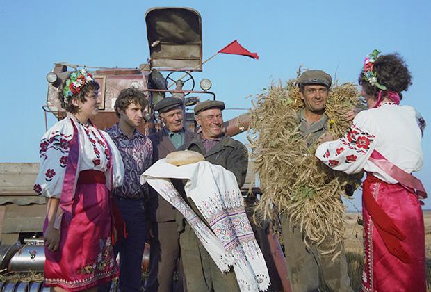 Празднование Дня урожая в колхозе имени М.Горького. Киевская область, 1974 год