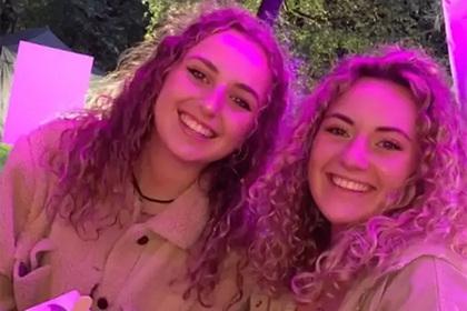 Студентка встретила в университете двойника и заподозрила в ней сестру-близнеца