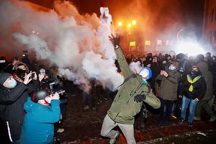 ВМВД Украины «Правый сектор» назвали скинхедами ипрофашистскими маргиналами