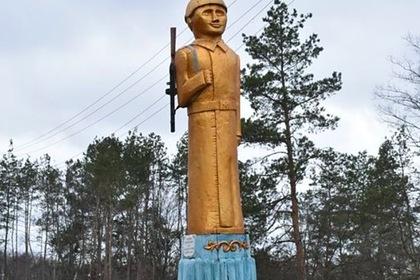 На Украине нашли «брата» скандального памятника Аленке