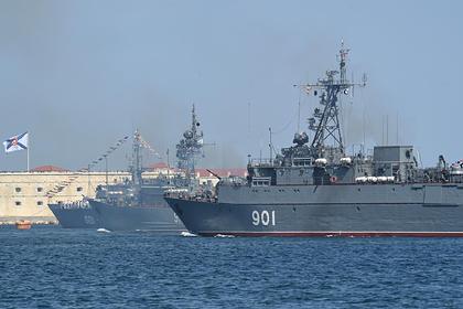 Украина обвинила российского адмирала в подстрекательстве к госизмене военных