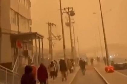 Песчаная буря накрыла Пекин второй раз за месяц