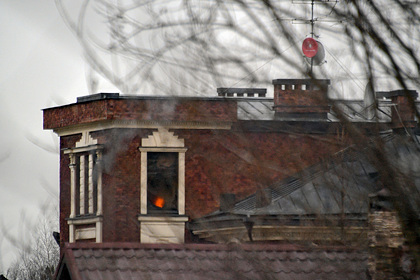 Устроивший стрельбу в Мытищах россиянин остался в горящем доме