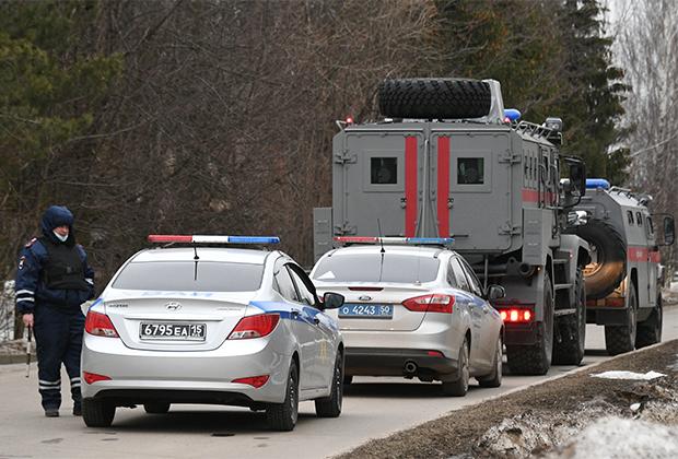 Автомобили правоохранительных органов в Новых Вешках