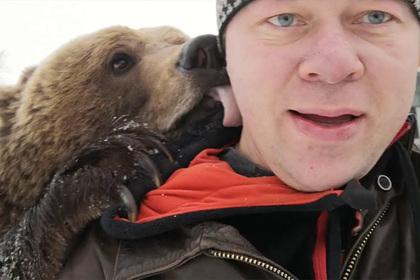 Россияне заводят опасных животных и хвастаются этим на YouTube. Зачем они это делают?