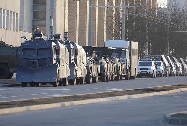 Спецтехника на улицах Минска, 25 марта