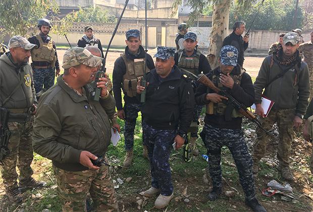 Иракские военные во время боев за Мосул