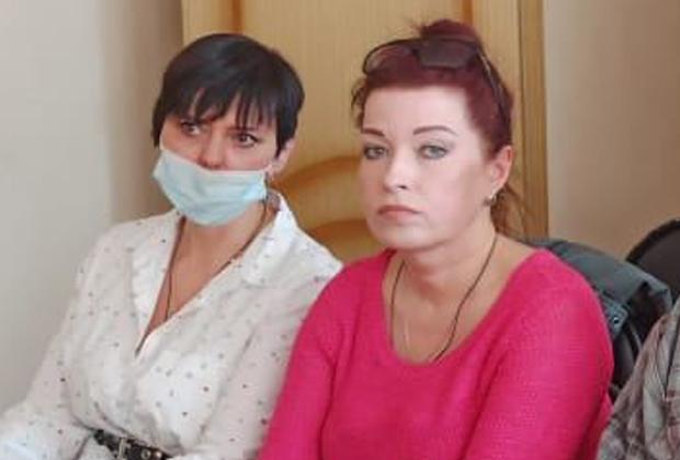 Екатерина Черкасова (в маске) и Наталия Герасименко
