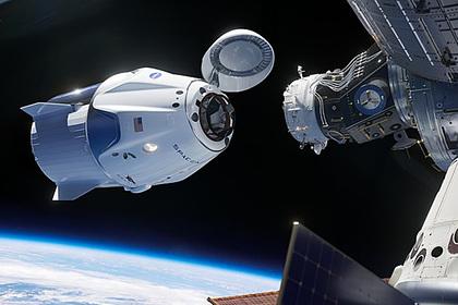 Космический корабль Crew Dragon и МКС