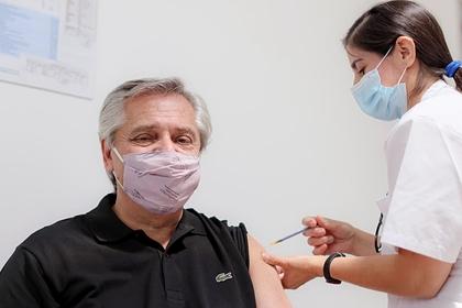 Президент Аргентины напомнил о важности вакцинации в борьбе с COVID-19: Политика: Мир: Lenta.ru