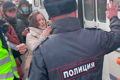 Власти объяснили задержание журналистов CNN у колонии в Покрове
