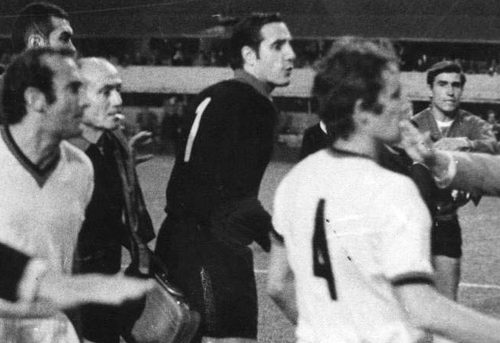 Игроки «Милана» во время игры против «Эстудиантес»