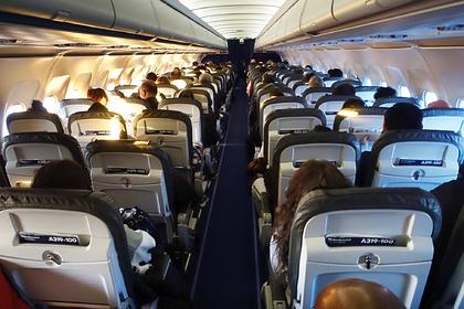 Описано происходящее в аэропорту во время ожидания высадки из самолета: Мнения: Путешествия: Lenta.ru
