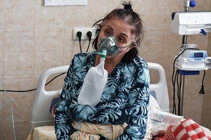 Россияне месяцами не могут оправиться после COVID-19. Почему их мучают депрессия и головные боли?