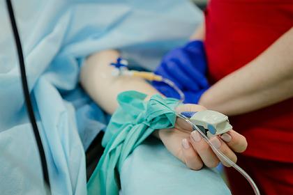 Женщина заразилась коронавирусом и оказалась парализована