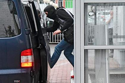 ФСБ нагрянула с обыском в крупную российскую адвокатскую контору