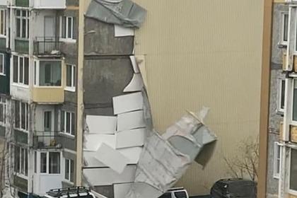 Штормовой ветер сорвал обшивку домов на Камчатке