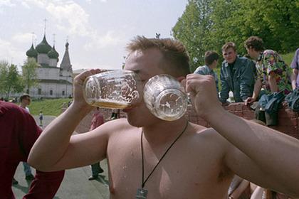 Сотни тысяч россиян в 1990-х проголосовали за Партию любителей пива. Как это было возможно?