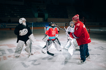 Легендарные хоккеисты СССР снова вышли на лед. Почему теперь они отказались быть «Красной машиной»?