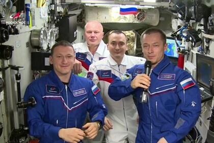 Космонавты поздравили россиян с 60-летием полета Гагарина