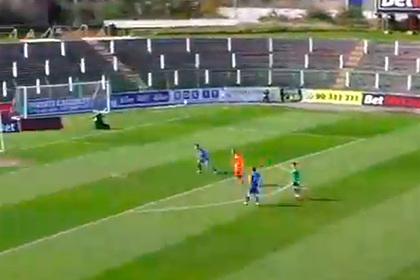 Футболист забил головой с 36 метров