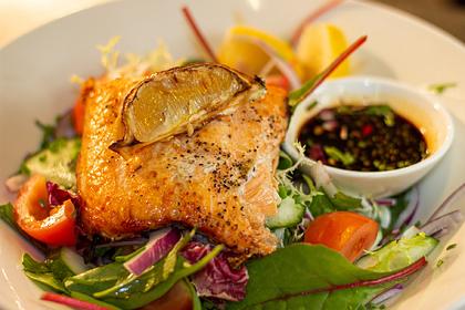 Диетолог назвала пять главных заблуждений о еде после пяти вечера