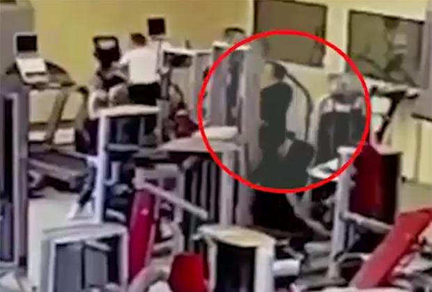 Момент убийства Альберта Рыжего в фитнес-центре