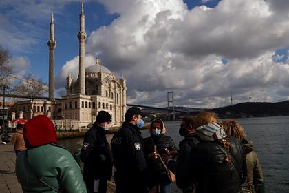 В Турции впервые выявили более 60 тысяч заболевших коронавирусом за сутки