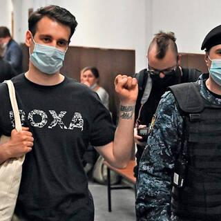 Владимир Метелкин (слева)