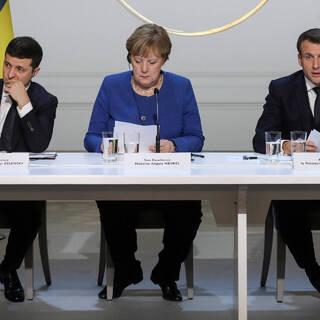 Владимир Зеленский, Ангела Меркель и Эммануэль Макрон (слева направо)