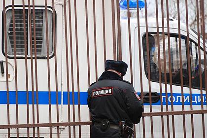 Россиянин открыл стрельбу с балкона