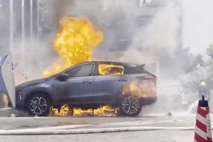 Электромобиль сгорел во время зарядки
