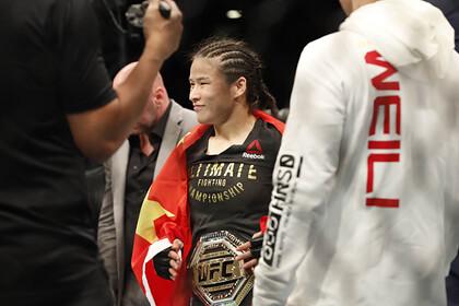 В команде чемпионки UFC из Китая отреагировали на слова о борьбе с красными