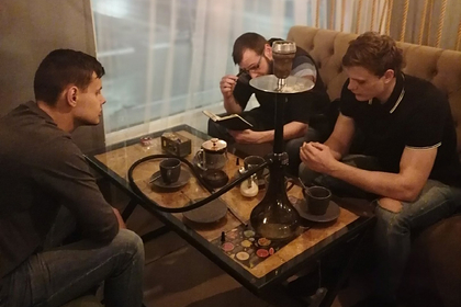Молодежная ячейка «Справедливой России» в Белгороде провела заседание с кальяном