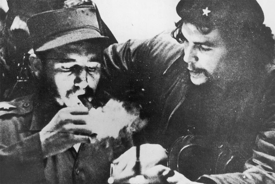 Фидель Кастро и Эрнесто Че Гевара во время партизанской войны на Кубе. Ориентировочно 1956 год