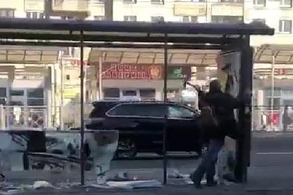 Пьяный россиянин с топором разбил остановку