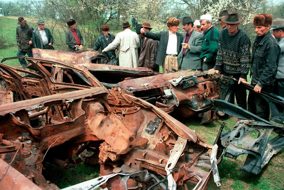 Траурная церемония в годовщину смерти Дудаева, 1997 год