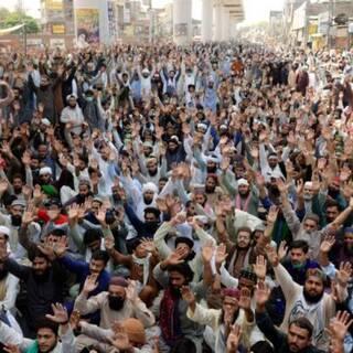 Демонстрации против французских карикатур в Пакистане