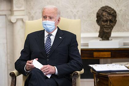 Байдена обвинили в «опасной слабости» в отношениях с Россией