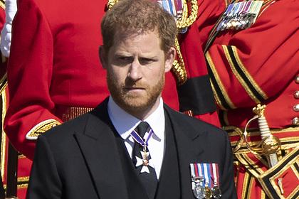 Принц Гарри отказался оставаться на 95-летие Елизаветы II и улетел к жене